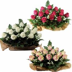 Jardinera flores artificiales cementerio capullos rosas tela